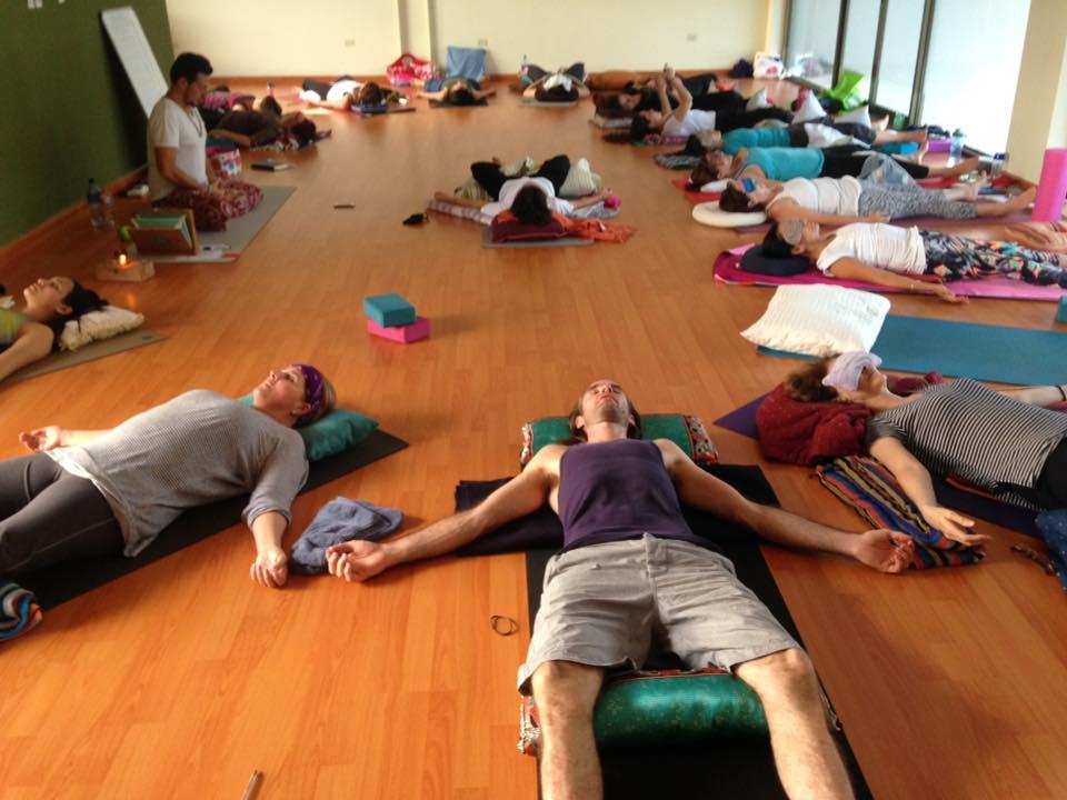 Yoga Nidra con Ezequiel Anguizola